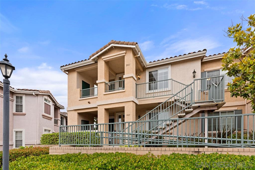 This newly remodeled 2 bed 2 bath condo is located in prime location of Saber hills community . This home offers cozy fireplace, large balcony, laundry room, brand new flooring, paint, kitchen appliances designated parking space, storage area and is a corner unit with immaculate views. Complex offers pool, spa Gym, BBQ area..!Poway award winning unified school district. This complex is close to I15,56,163, restaurants shopping centers, park, lake poway !!!