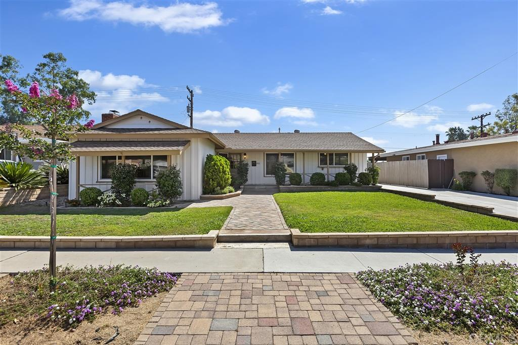 5901 Dugan Ave., La Mesa, CA 91942