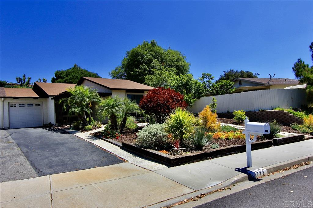 4572 Beverly Glen Dr, Oceanside, CA 92056