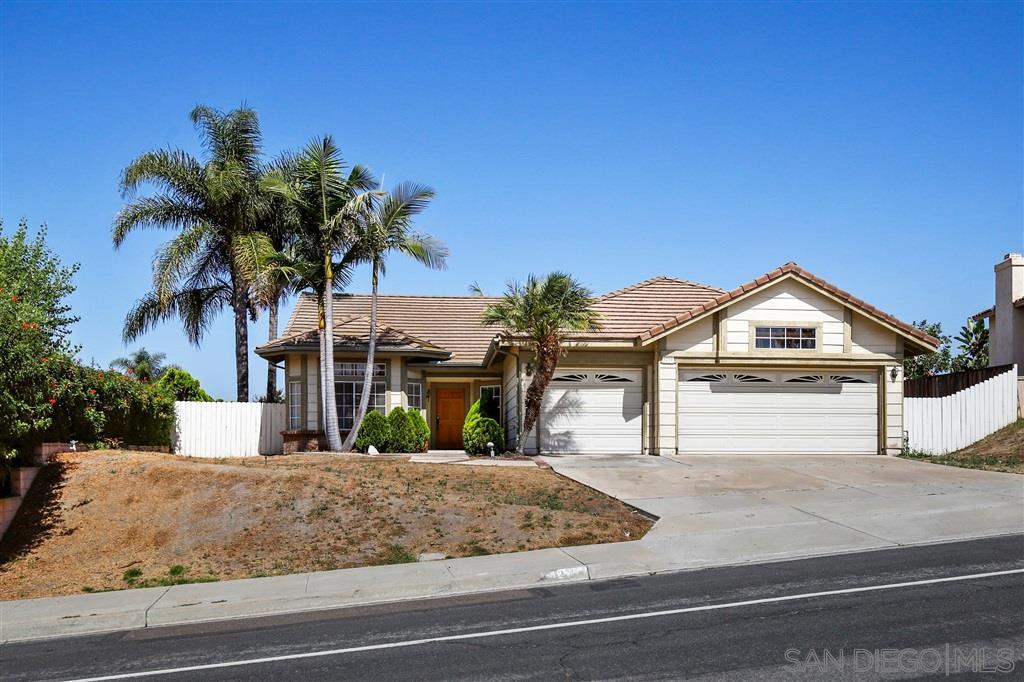 5210 Alamosa Park Dr, Oceanside CA 92057