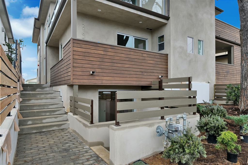 2180 Glasgow Ave, Cardiff By The Sea, CA 92007