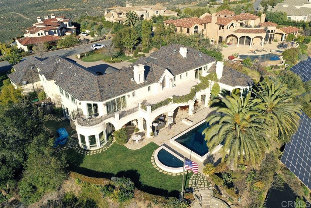 7 Bedroom Home For Sale