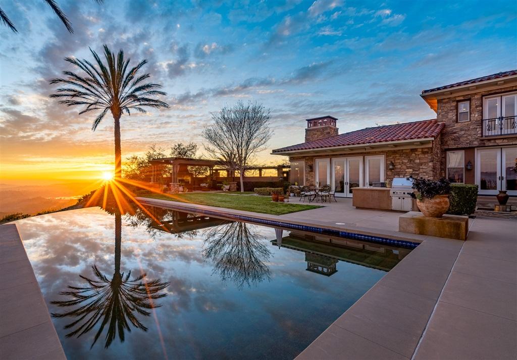 17817 Punta Del Sur, Rancho Santa Fe, CA 92067