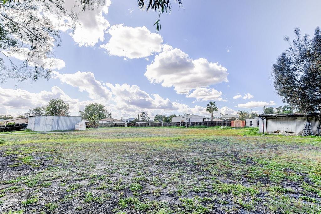 9945 Conejo Rd, Santee, CA 92071