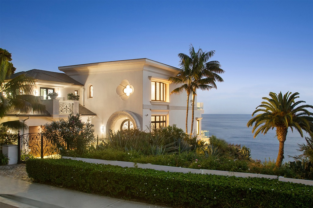 """Oceanfront Contemporary on La Jolla's """"Street of Dreams.""""  MOVE-IN-READY and furnishings available. 22 ft high entry leading to Open Floor Plan of LR, DR, Chef's kitchen, high ceilings and breathtaking unobstructed ocean views. Elevator up to """"Designer"""" Master Suite and Bath with forever ocean views. BR2 or Gym. Lower level has Fam rm, BR 3&4, and Rare Oceanfront pool, infinity edge and hot tub. Spacious backyard with patio, lawn, and firepit, Hear Waves crashing while enjoying fabulous Sunsets.Luxurious living and entertaining. Gated Entry leads to European cobble stone Courtyard and driveway for turning your car around. Beautiful, modern Smart house with High Ceilings and 8 ft high doors. Elevator to 3 levels with Ocean views and patios. 4 BR, 4.5 exquisite and unique Baths. Fabulous Master and Bathroom Suite with his and hers private Toto washlet toilets. Gorgeous vanities and oversized Shower with Ocean views. Chef's kitchen with 10 ft high Domed Ceiling and 18 ft waterfall island. Includes 2 Ref, 2 D/W, 2 Sinks, Wine ref, and Compactor. All small appliances are built into the cabinets with pull outs. Additional Storage room could become a Gym. Plus Luggage room. Rare Oceanfront Infinity Pool and hot tub. Top rated La Jolla schools. Walk to Birdrock restaurants, Windansea Beach, and to town. Move-In-Ready like a Model home."""