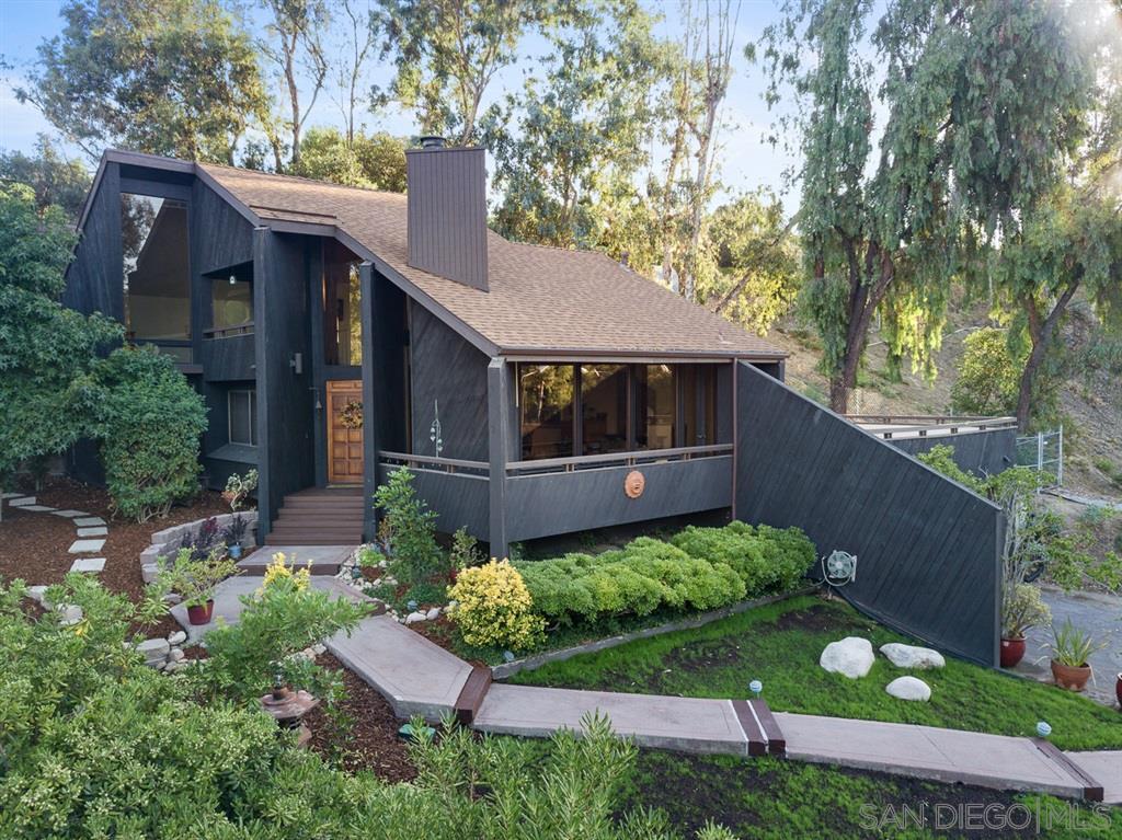 9215 Brier Rd., La Mesa, CA 91942