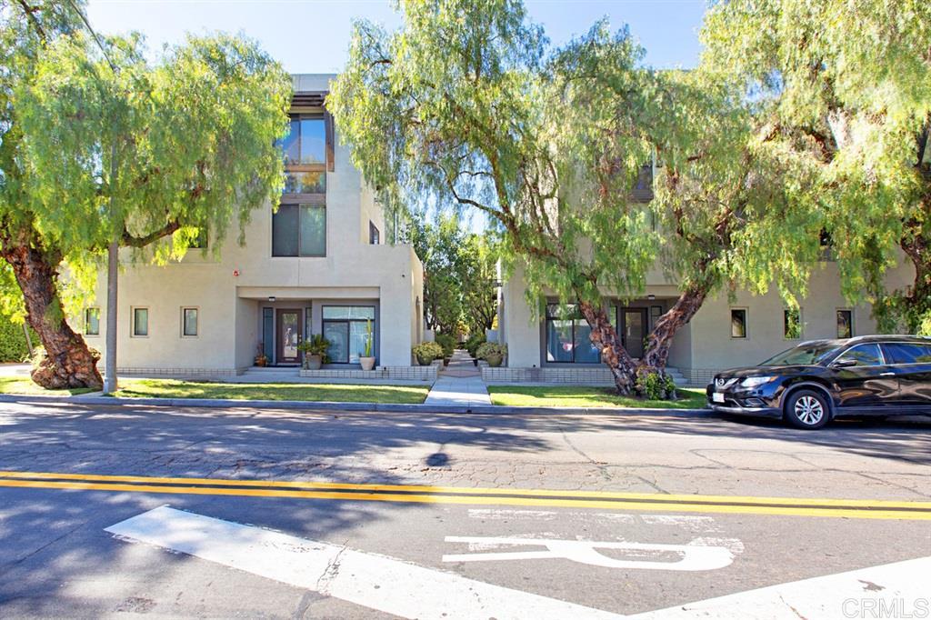 8232 Lemon Ave, La Mesa, CA 91941