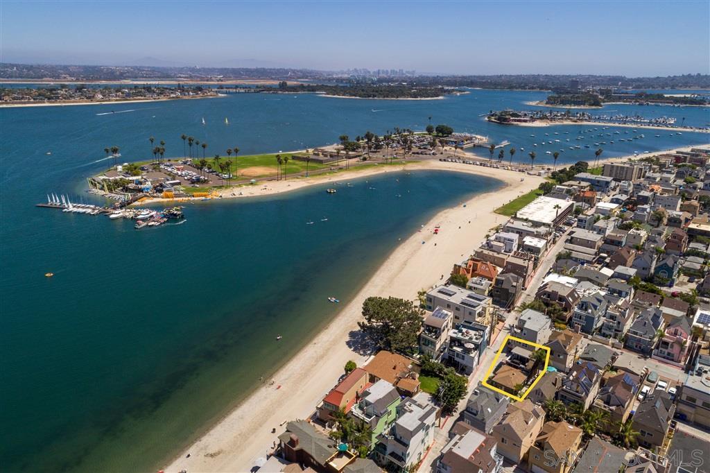 3812 Bayside Ln, San Diego, CA 92109