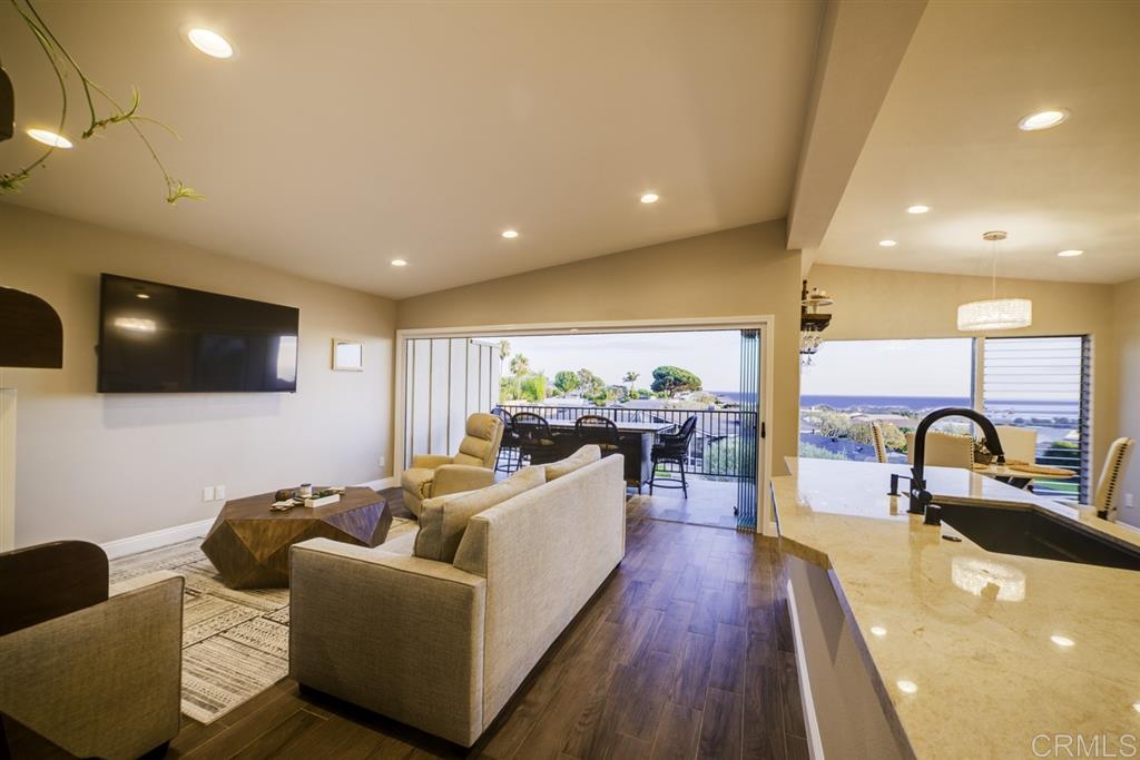 620 West Solana Circle 3A, Solana Beach, CA 92075