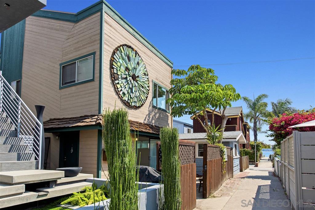 822 Seagirt Court, San Diego, CA 92109