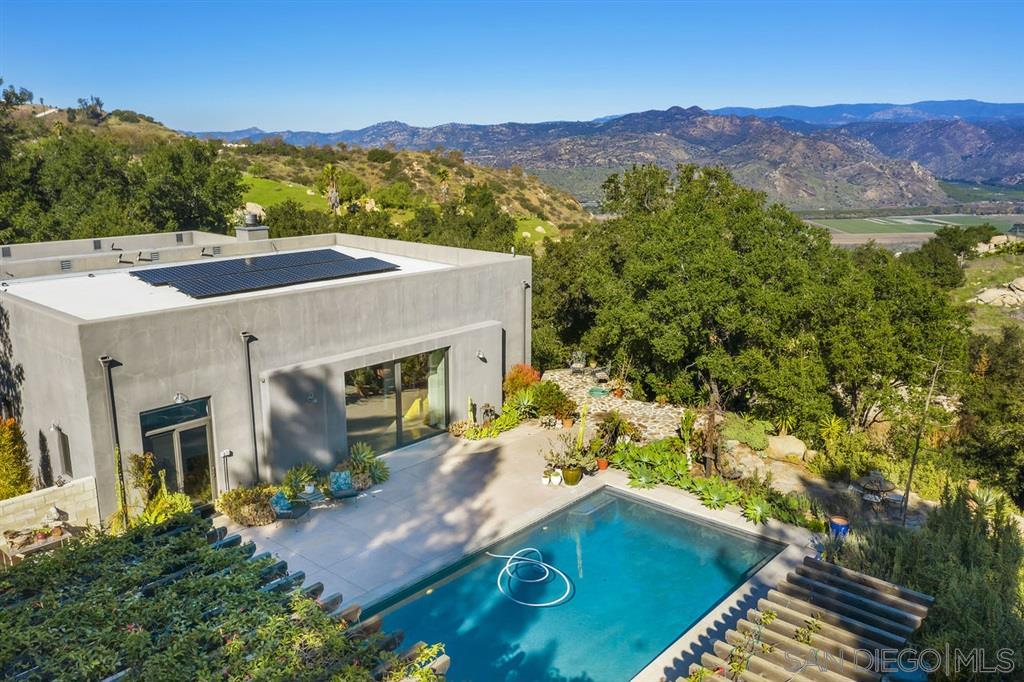 16044 Highland Valley Road, Escondido, CA 92025