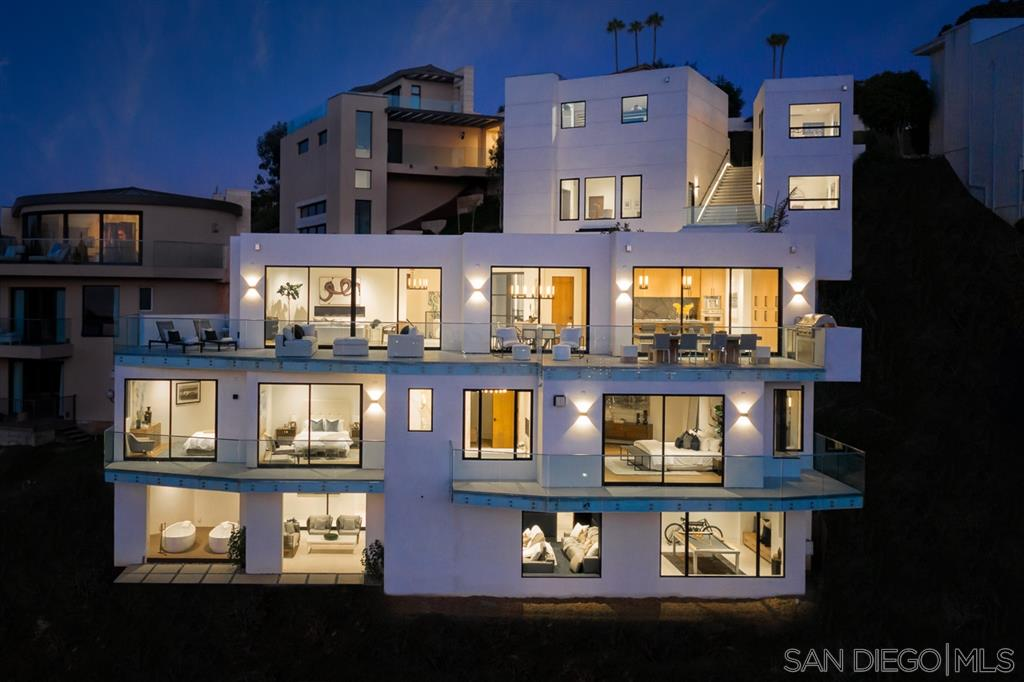 ***FORECLOSURE***Located in the coveted La Jolla Heights area, this new construction home was designed by the famed Beverly Hills design-builder Roman James. This home offers breathtaking, panoramic views of the Pacific Ocean and La Jolla Shores, a yoga studio, movie theater, guest casita, wine cellar, game room, along with 2 private elevators. With only 2 neighboring homes on the street this home offers the utmost in privacy however provides easy access in and out of La Jolla.