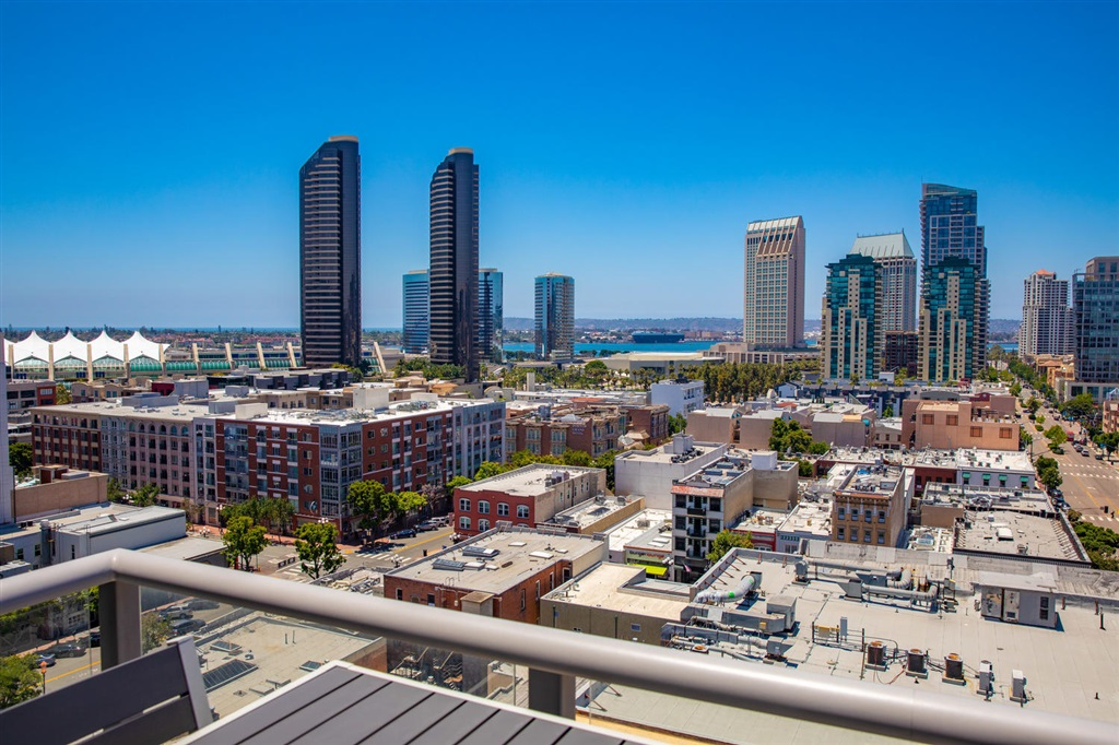 MLS 200044782 San Diego Condo for sale