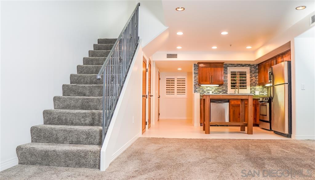 801 W Hawthorn Street 303, San Diego, CA 92101