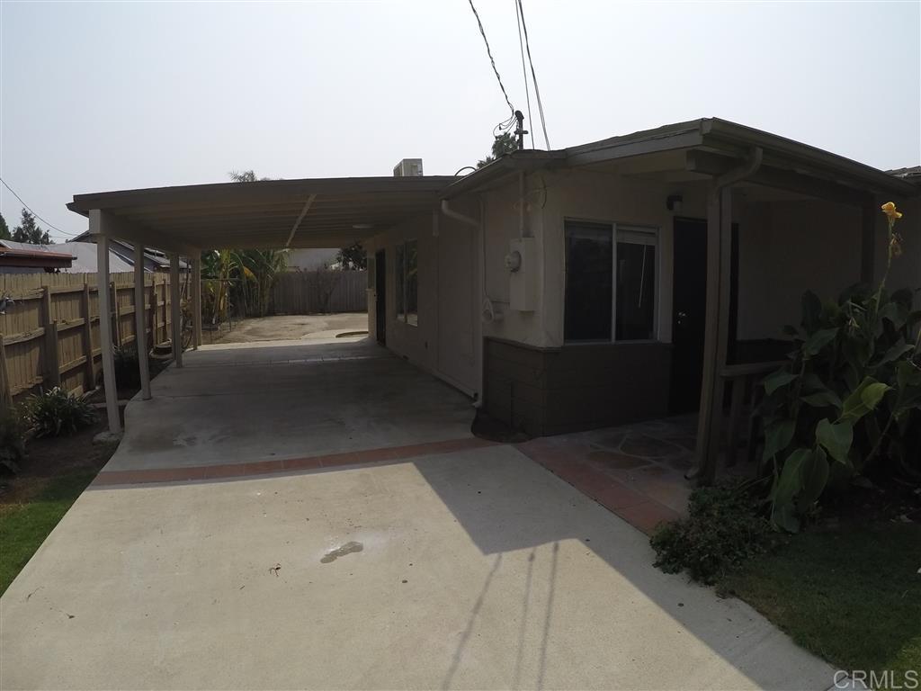326 W California Ave, Vista, CA 92083