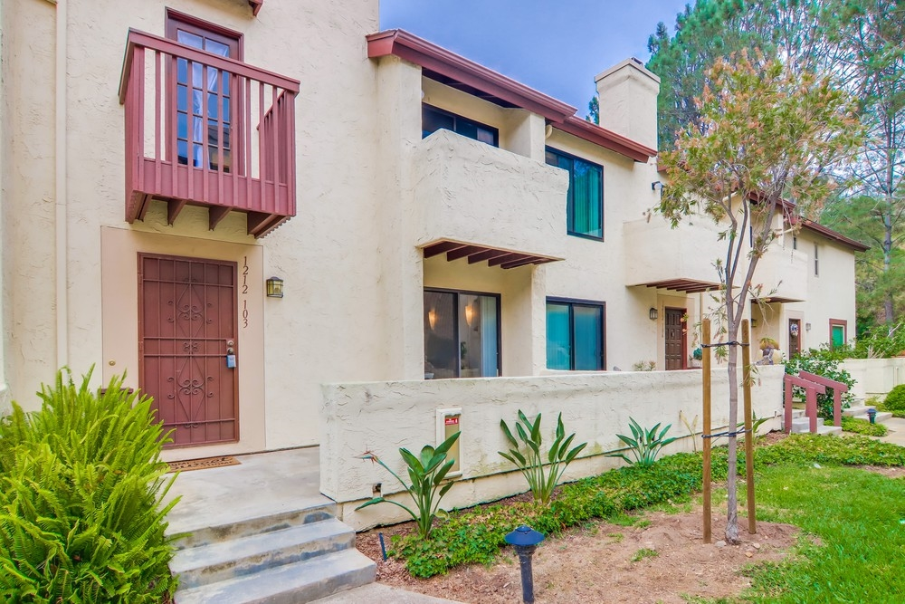 1212 River Glen Row 103, San Diego, CA 92111