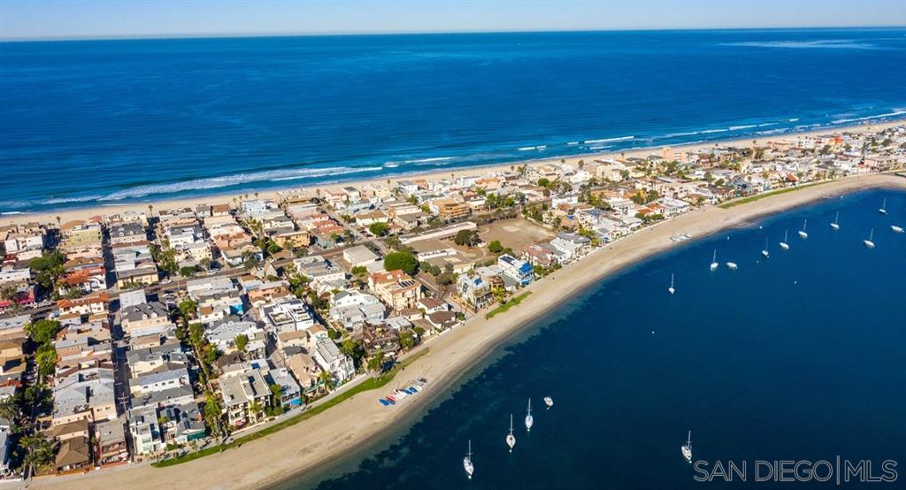 825 Santa Barbara Pl, San Diego, CA 92109