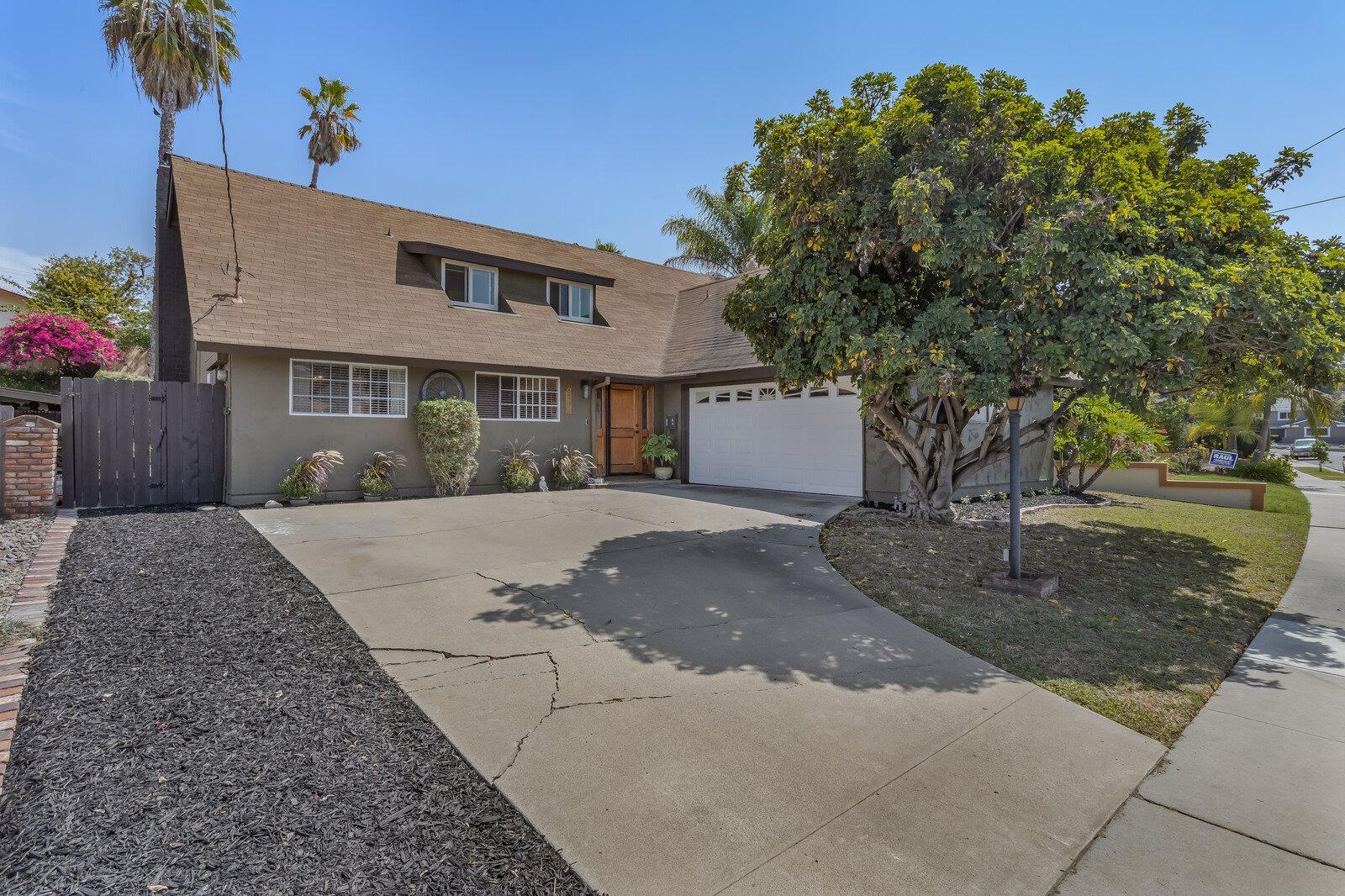 6245 Crystal Lake, San Diego, CA 92119