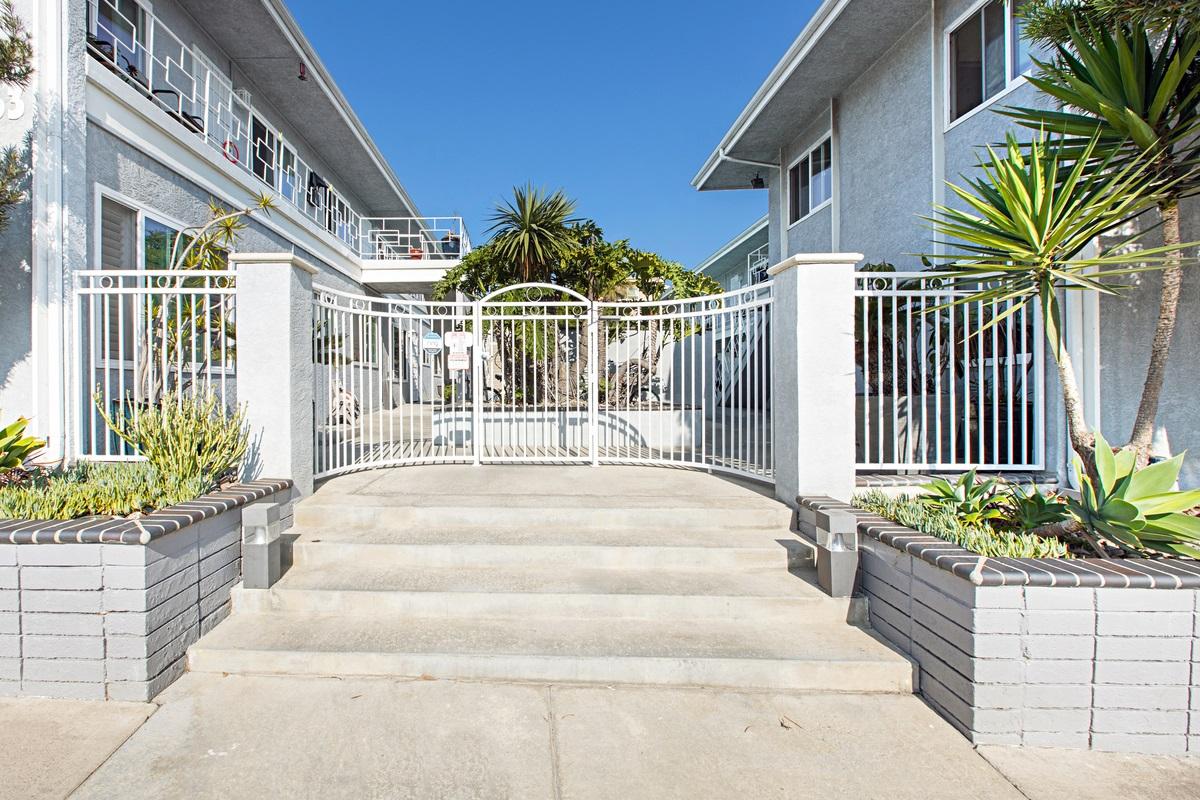 5053 Mission Blvd, San Diego, CA 92109