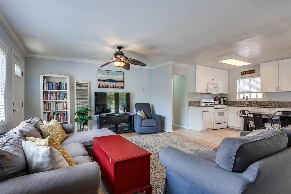 10146 Casa De Oro Blvd, Spring Valley, CA 91977