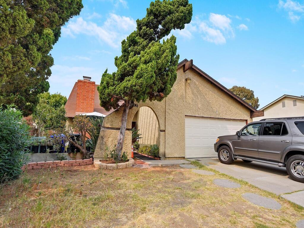 8732 Andromeda Rd, San Diego, CA 92126