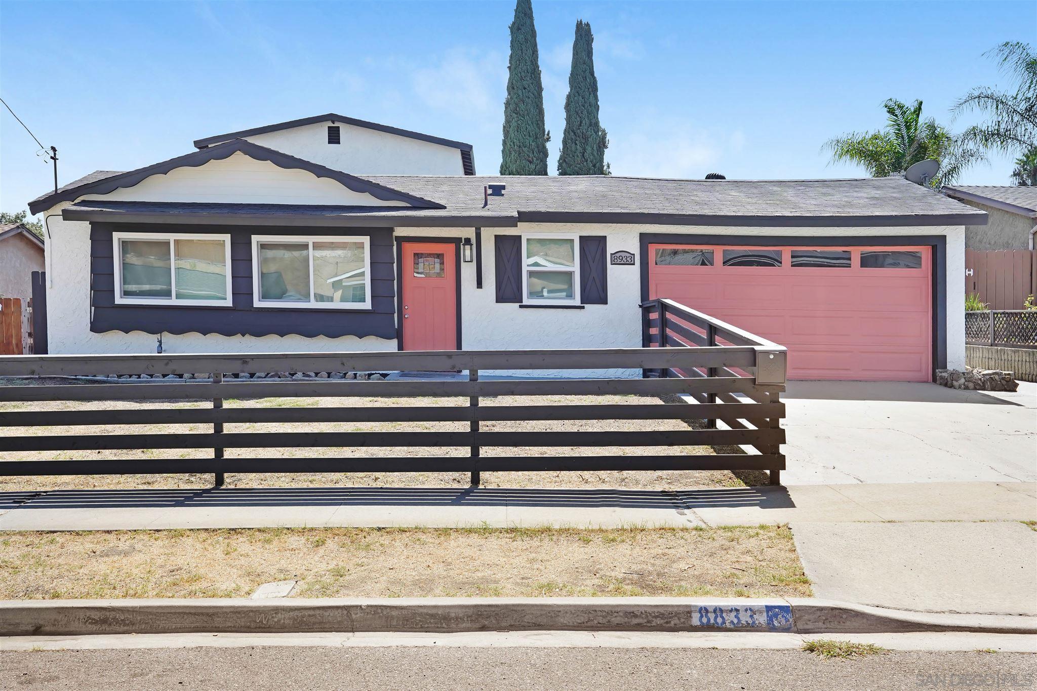 8833 Hillslope Ave, Spring Valley, CA 91977