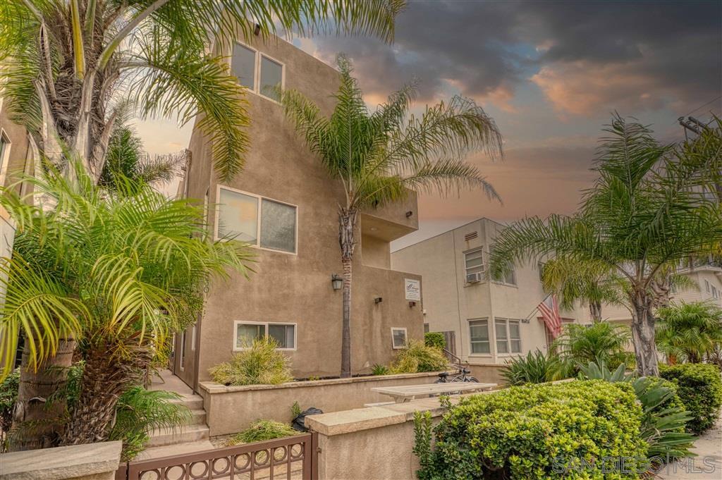Photo of 830 Ensenada Ct, San Diego, CA 92109