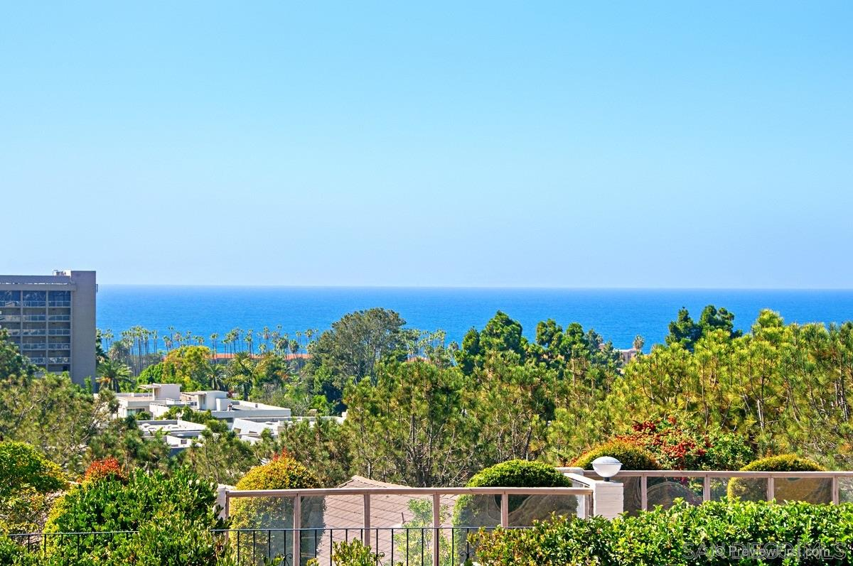 Panoramic Ocean Views! Extremely quiet and private w/ superb location walking distance to La Jolla shores, LJ Beach & Tennis, Restaurants shops etc! Quaint community of 8 townhomes in Vista Del Rey, perched on a private peninsula in the shores. Exceptionally built with soaring ceilngs, flooded with light and great finishes. Property lives like a detached home, plenty of parking in addition to the 2 car garage. The 8 townhomes share over 6 acres.