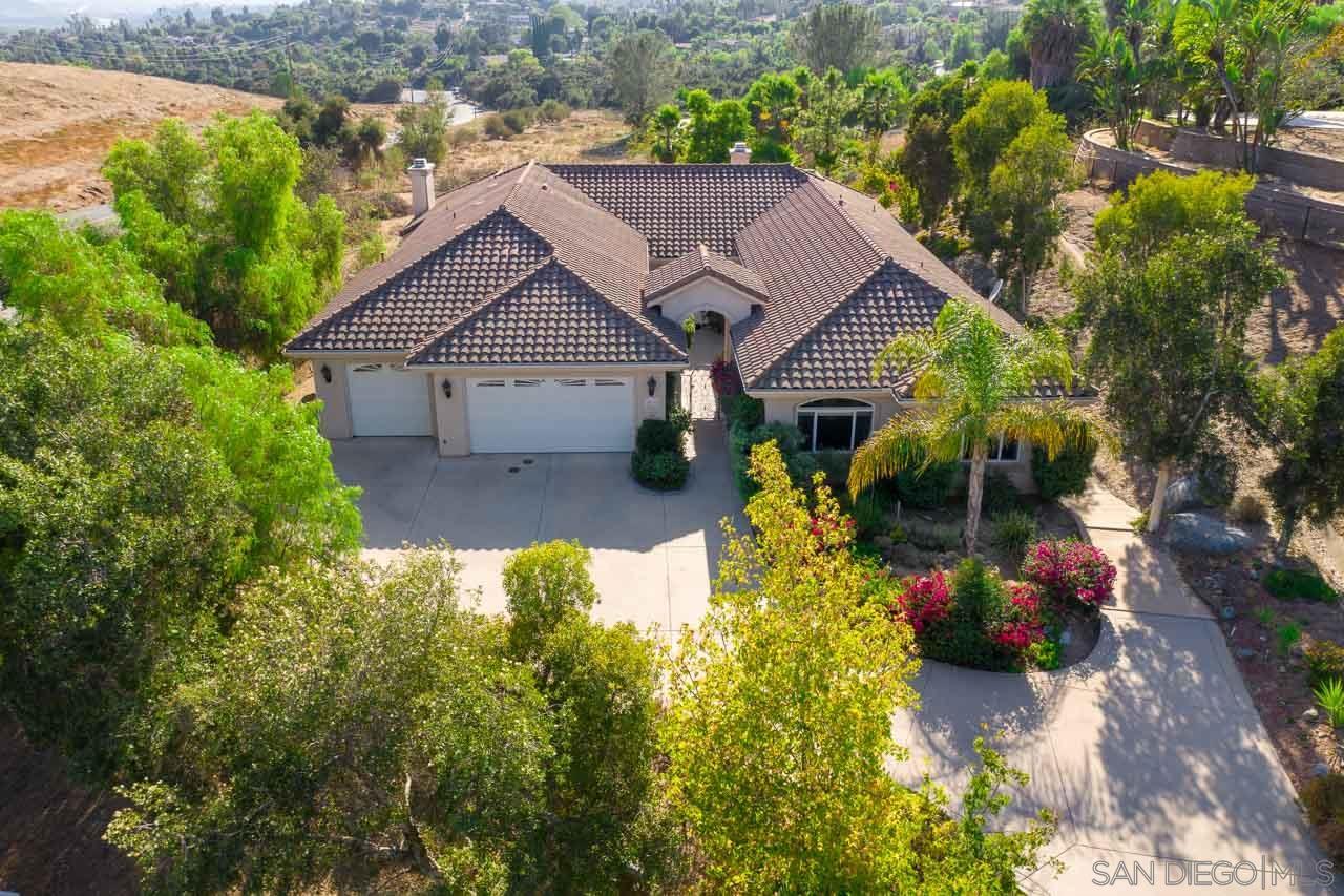 2075 Zlatibor Ranch Rd, Escondido, CA 92025