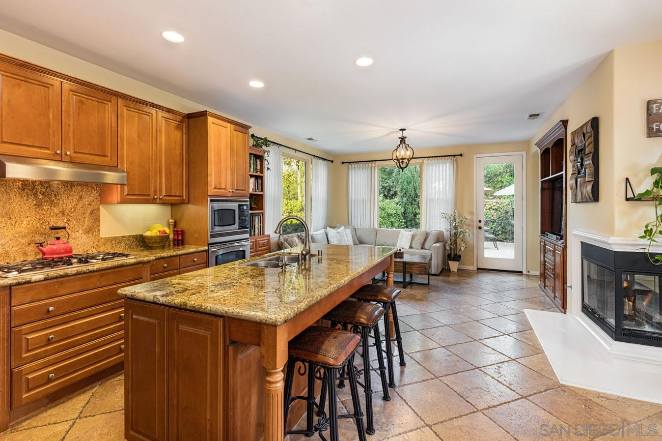 5780 Ginger Glen Trail, San Diego CA 92130