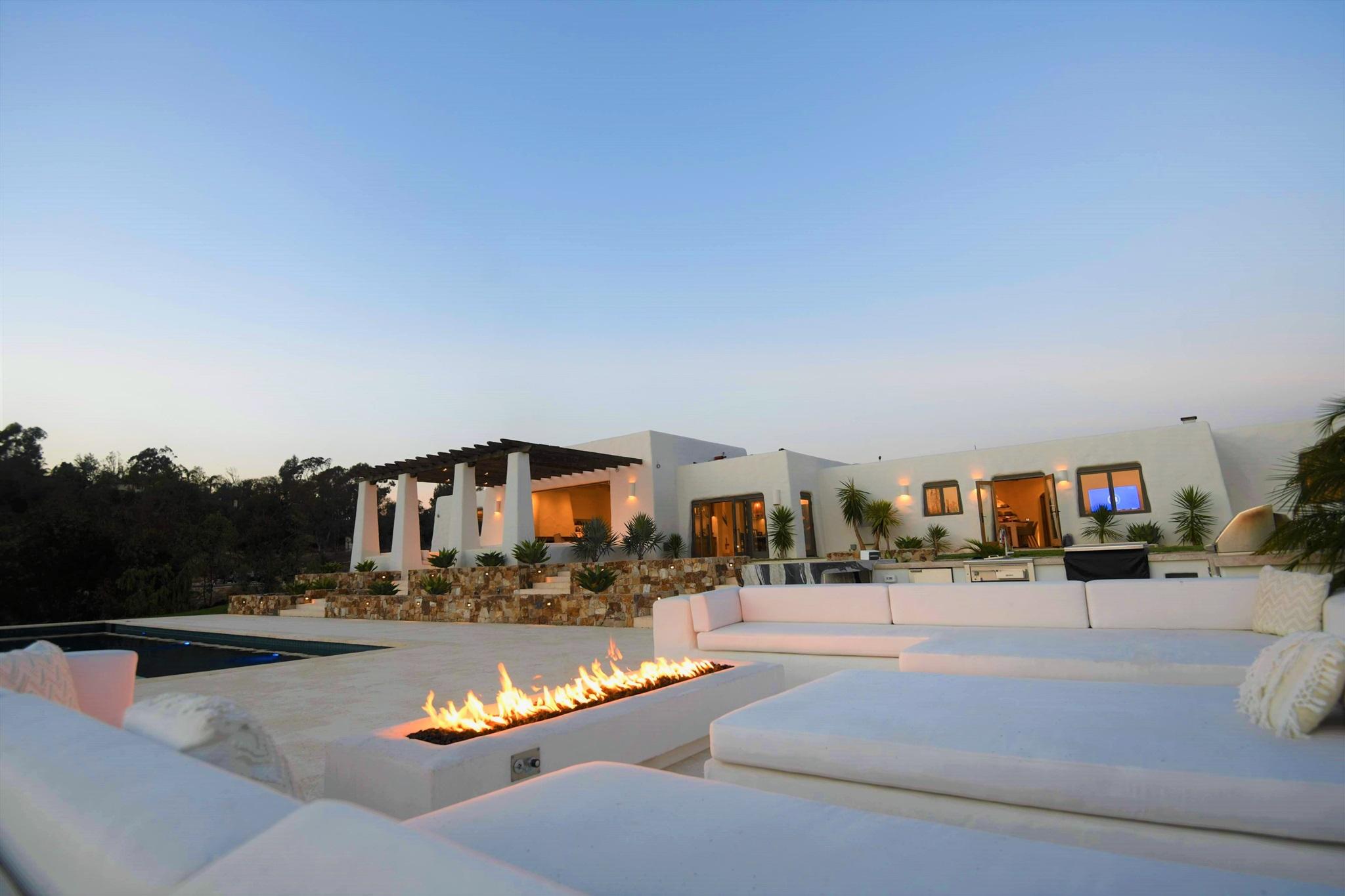 Photo of 4810 Linea Del Sol, Del Mar, CA 92014