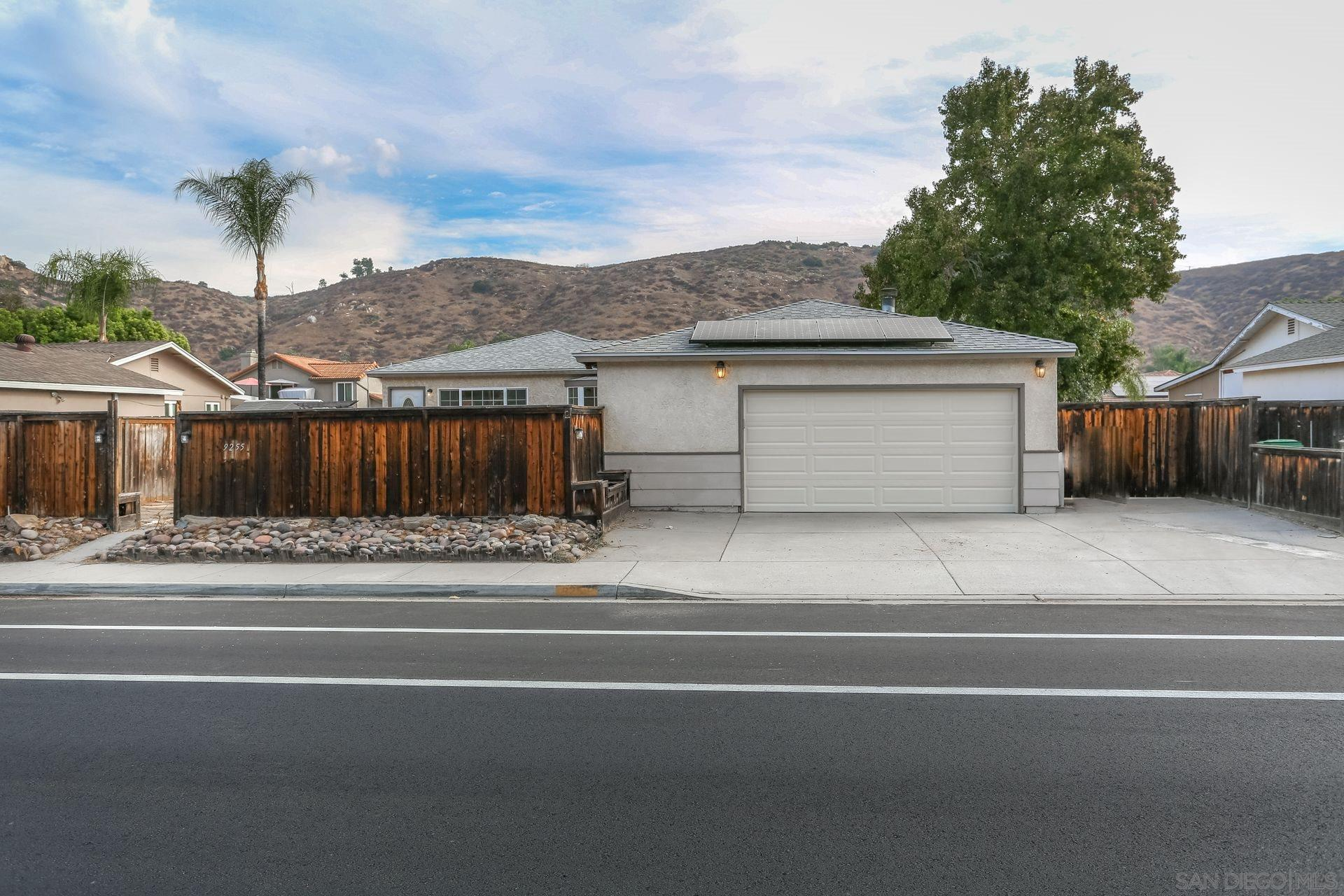 9255 Los Coches Rd, Lakeside, CA 92040