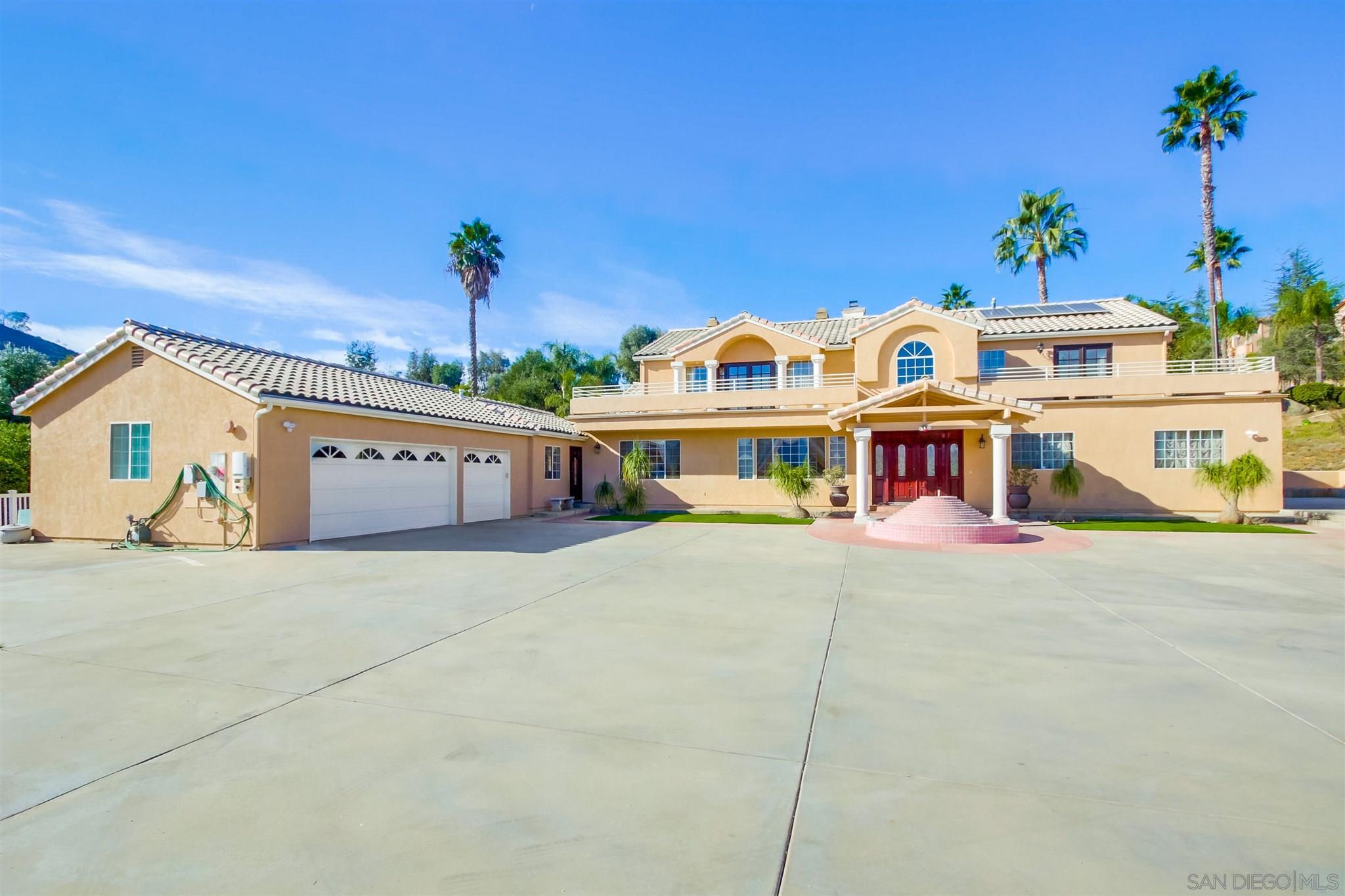 Photo of 1455 Fuerte Heights Ln, El Cajon, CA 92019