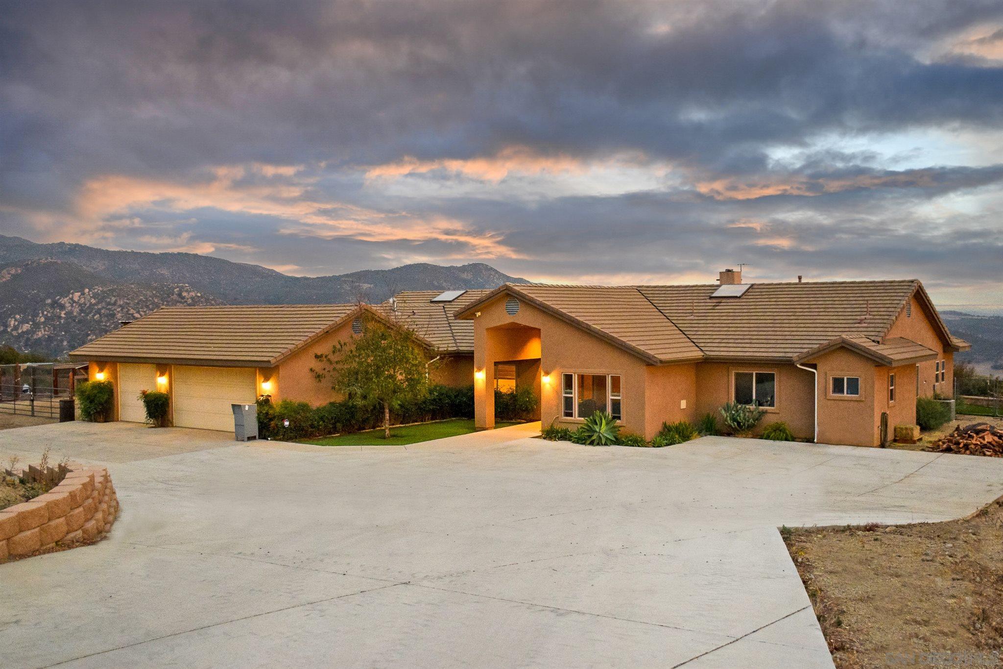 19585 Paradise Mountain Rd., Valley Center, CA 92082