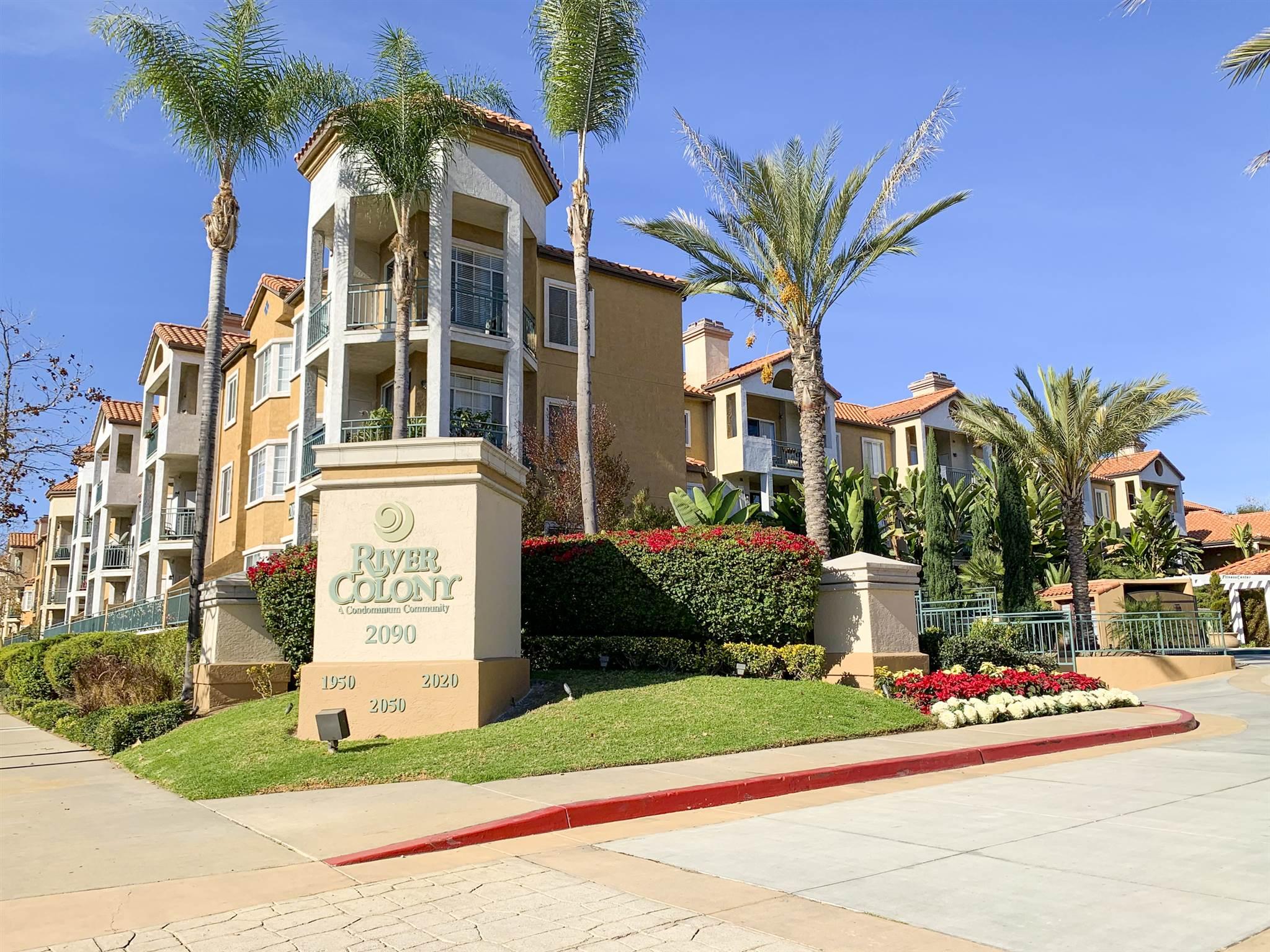2050 Camino de la reina 106, San Diego, CA 92108
