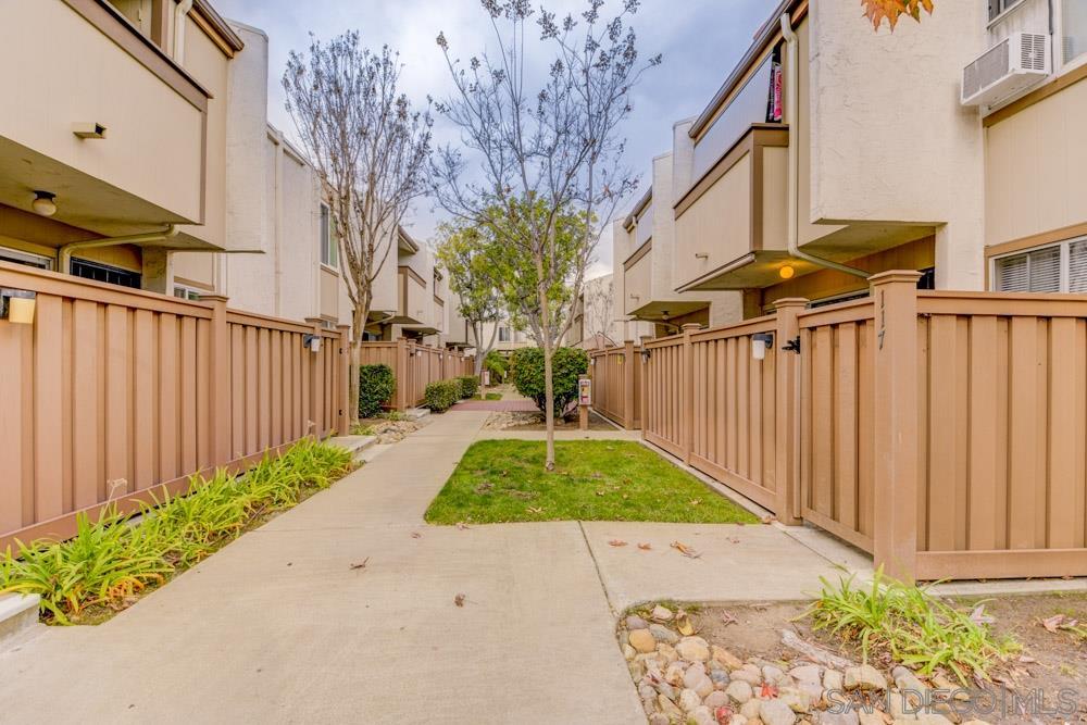 3549 Castle Glen Dr 117, San Diego, CA 92123