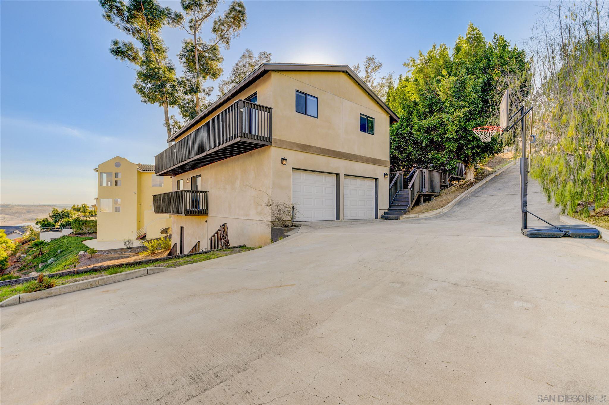 1247 Sangamon Ave, Spring Valley, CA 91977