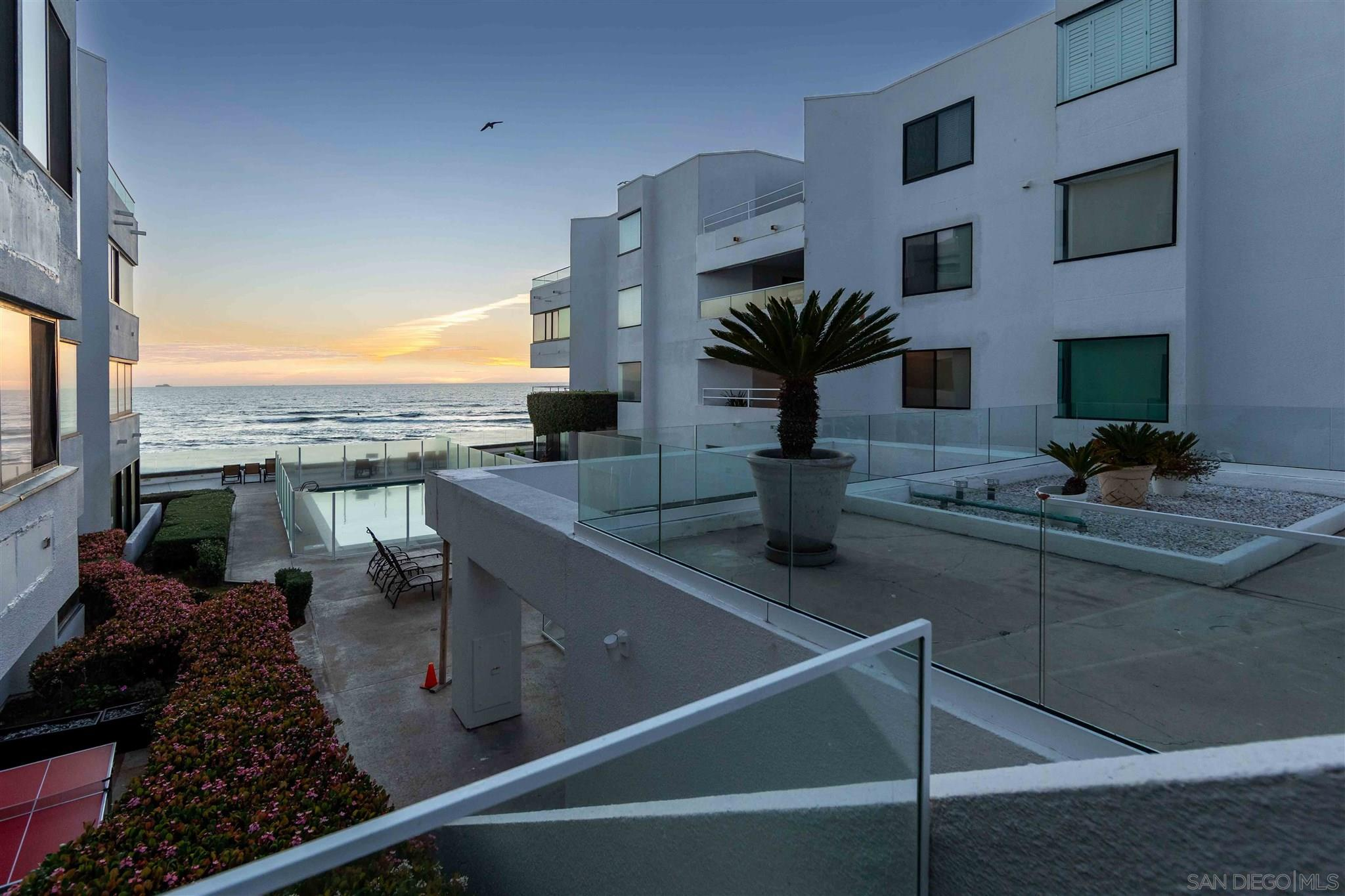 100 Coast Blvd 201, La Jolla, CA 92037