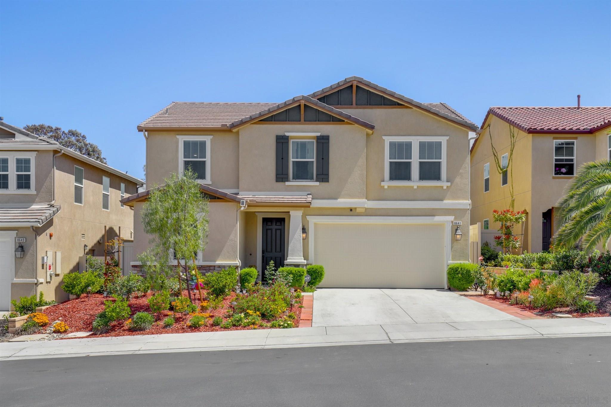 8641 Camden Dr, Santee, CA 92071