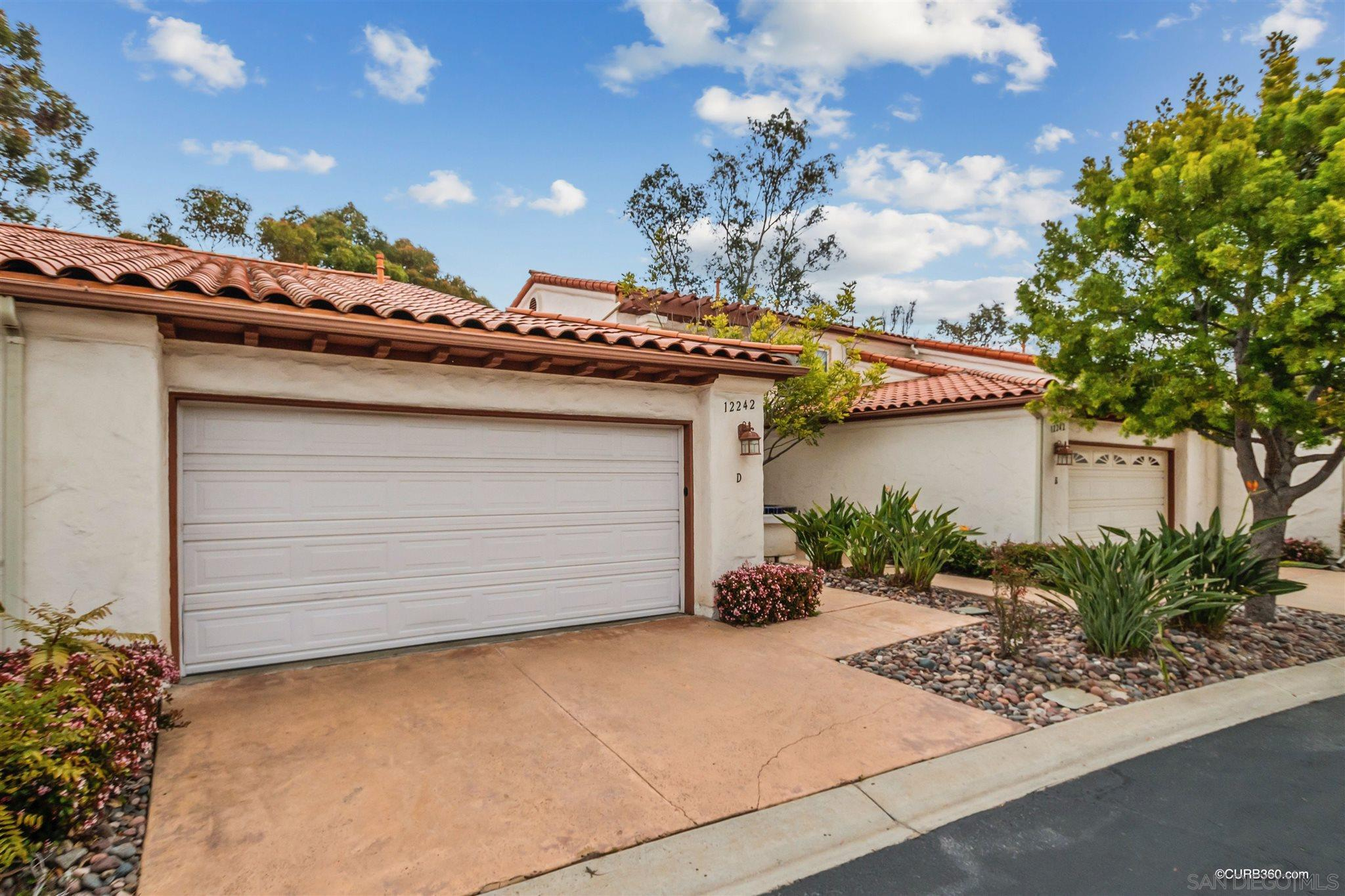Great opportunity to own in Rancho Bernardo with Golf Course Views!! This remodeled townhouse features 2 bedrooms, 2 bathrooms, granite counters, laminate flooring, and a 2 car garage!! Located in close proximity to freeway access, schools, and shopping.