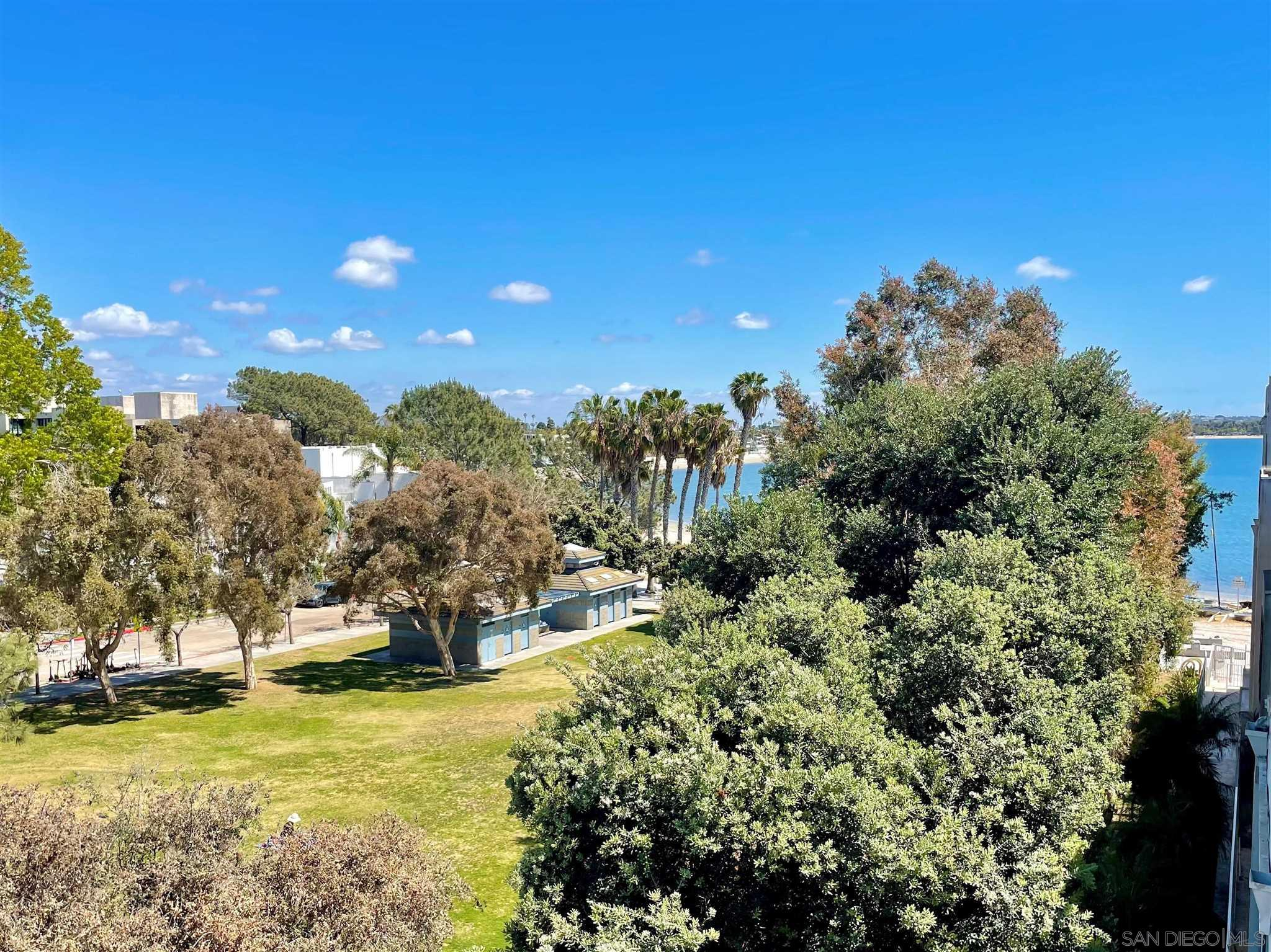 1251 Parker Pl 4A, San Diego, CA 92109