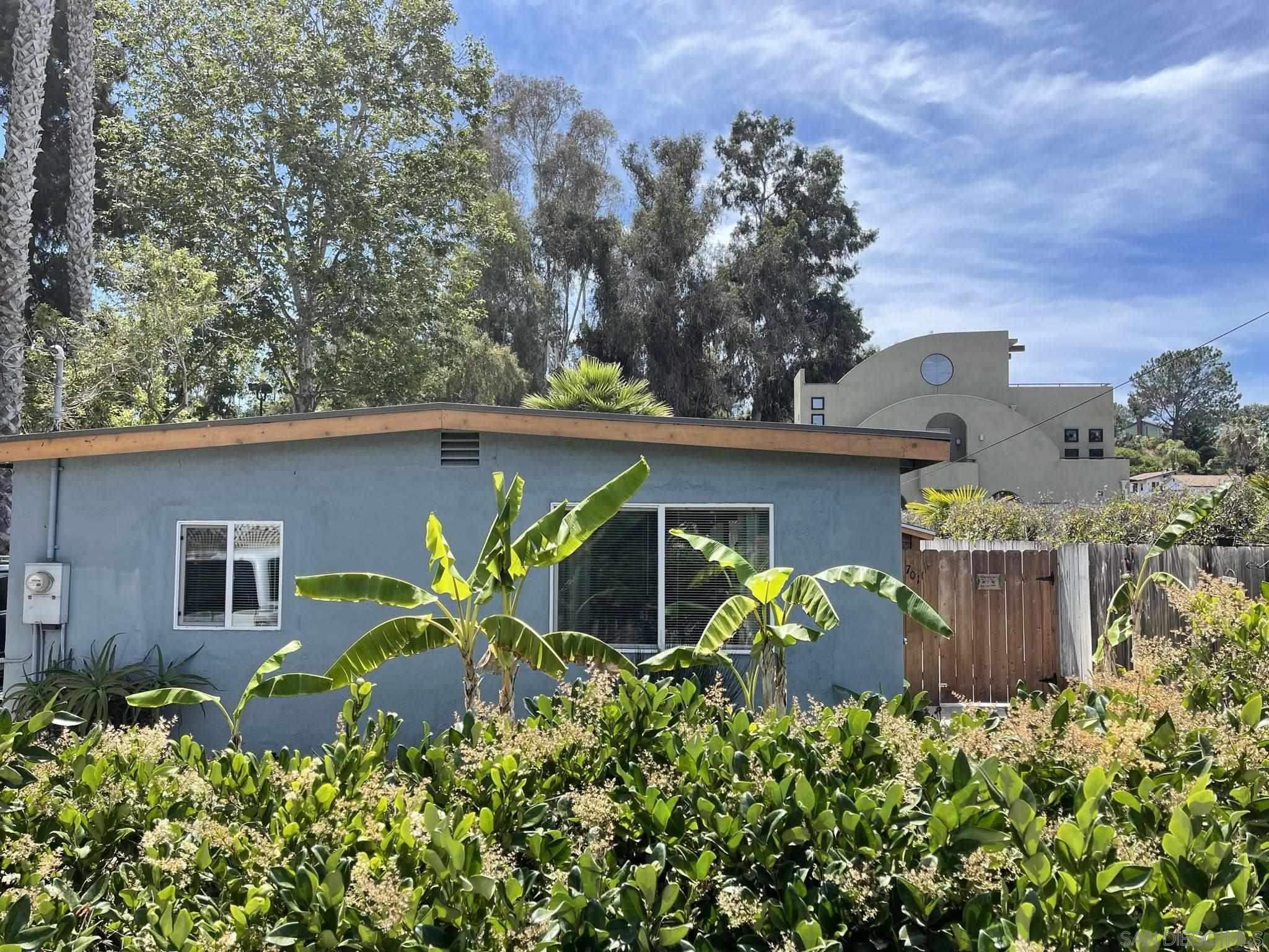 701 Valley Ave, Solana Beach, CA 92075