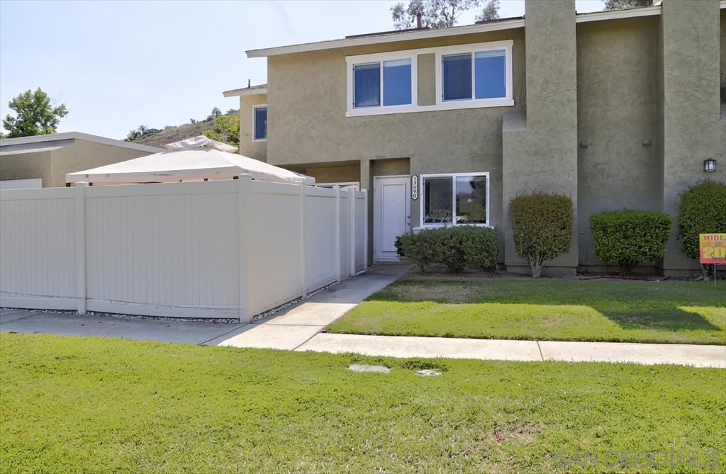 13690 Comuna, Poway CA 92064