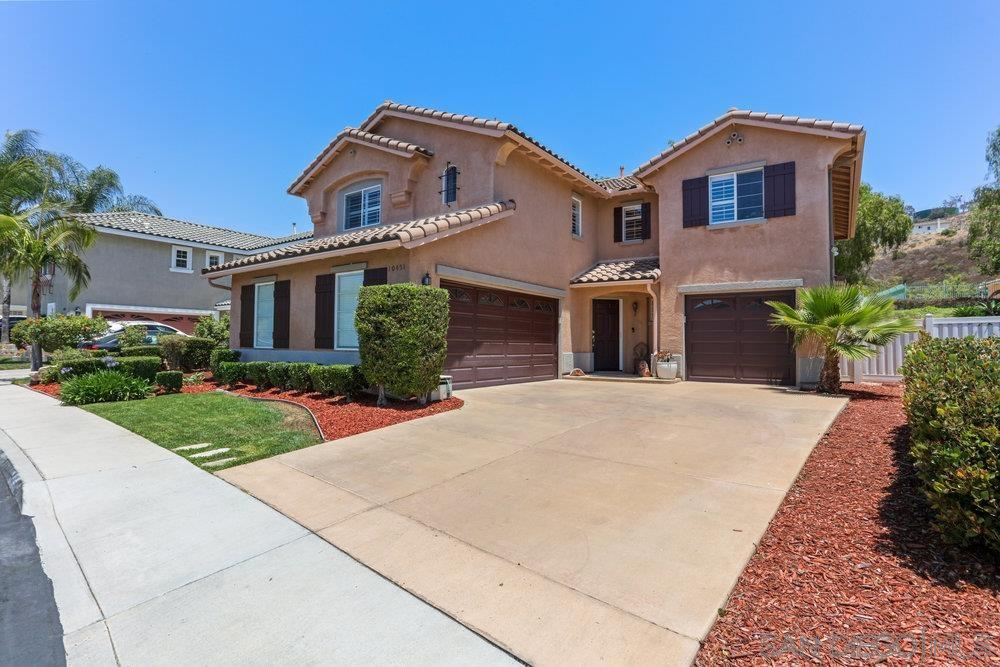10451 Valley Waters Dr, Spring Valley, CA 91978