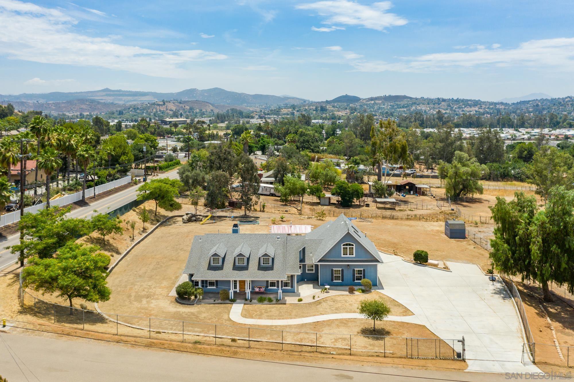 12055 Promise Lane, Lakeside, CA 92040