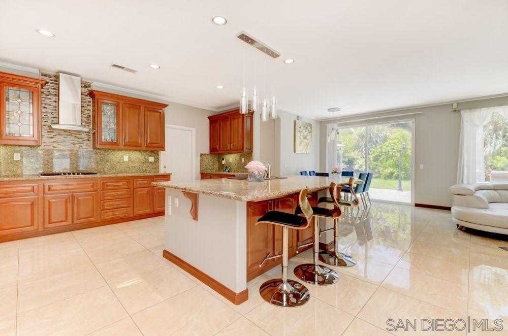 1175 Santa Olivia Rd, Chula Vista, CA 91913