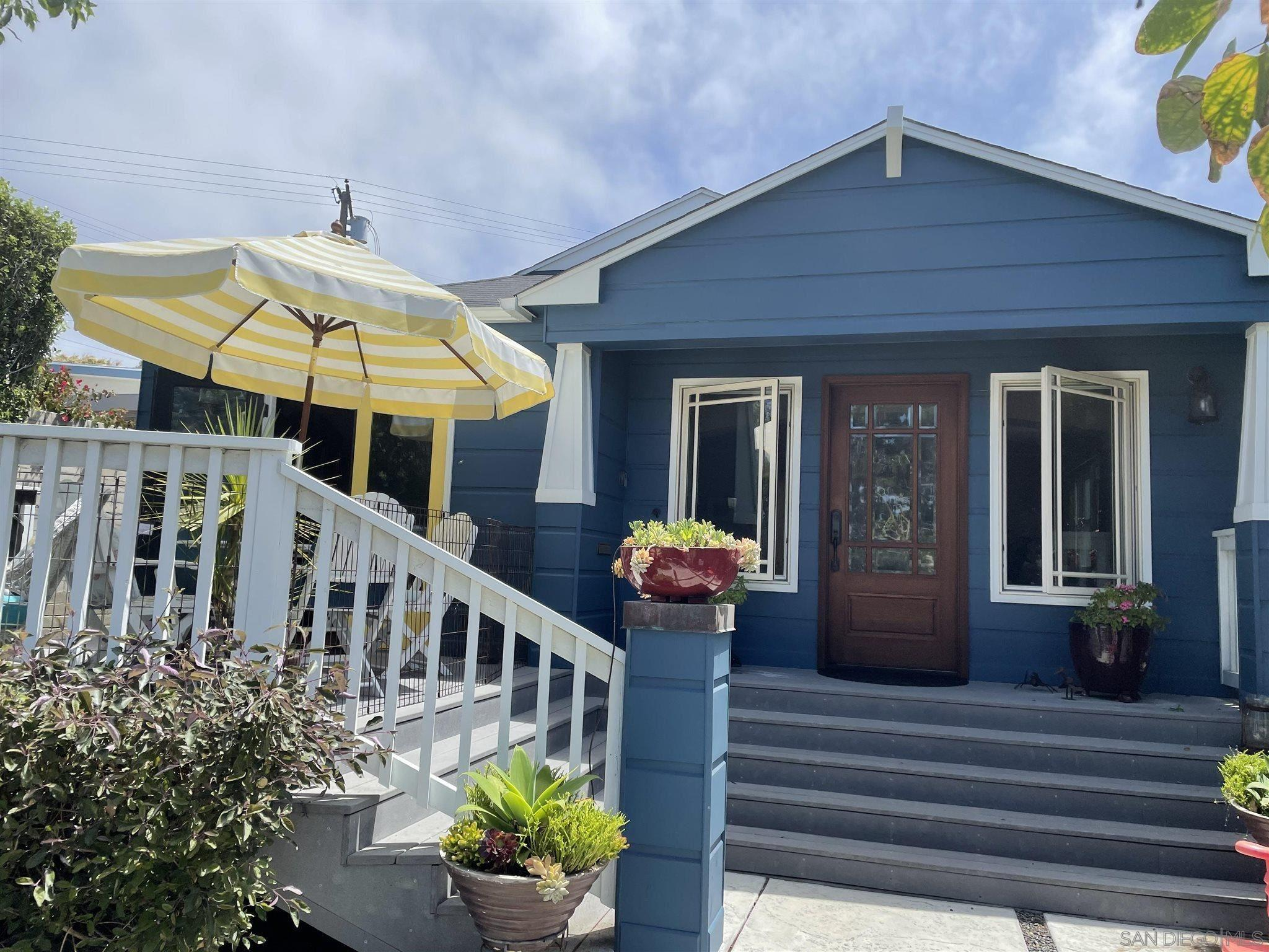 Charming Bird Rock Cottage, ready for you to move in and enjoy! Easy walking to La Jolla Blvd's restaurants, coffee shops and shopping. Cool ocean breezes on the large front deck. Updated kitchen and bathroom. Original wood flooring. Low maintenance backyard. Oversized 1-car garage.