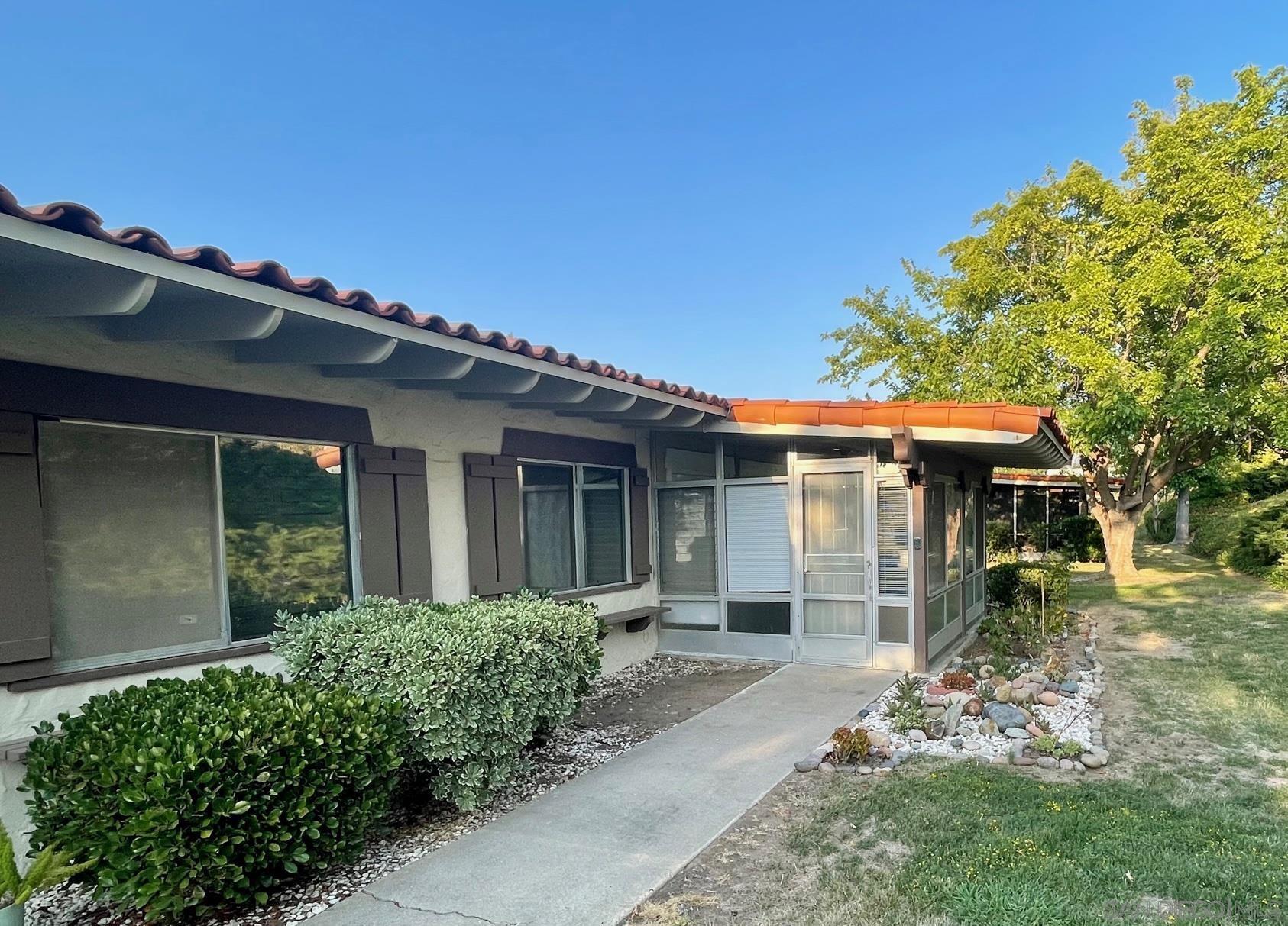12347 Santiago Rd E, San Diego, CA 92128