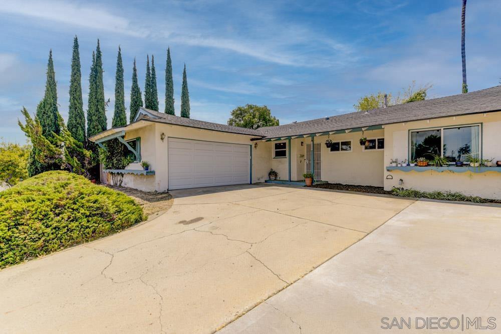 8353 Lake Ashwood Ave, San Diego, CA 92119