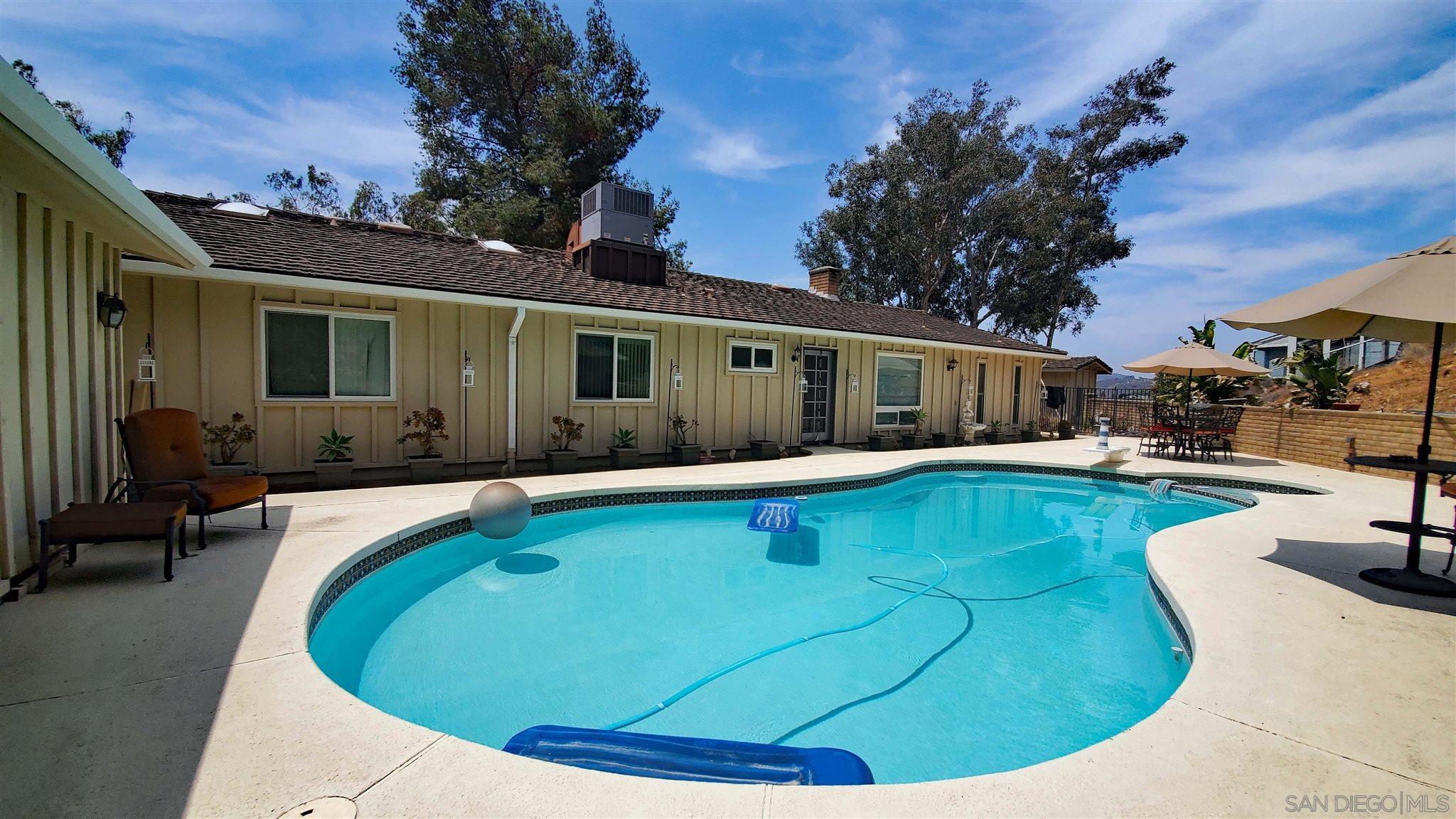 13386 Scotsman Rd, Lakeside, CA 92040